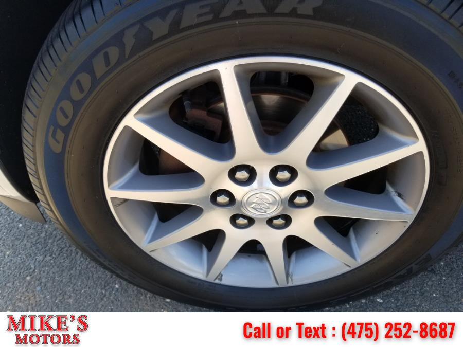Used Buick Enclave AWD 4dr Leather 2015 | Mike's Motors LLC. Stratford, Connecticut