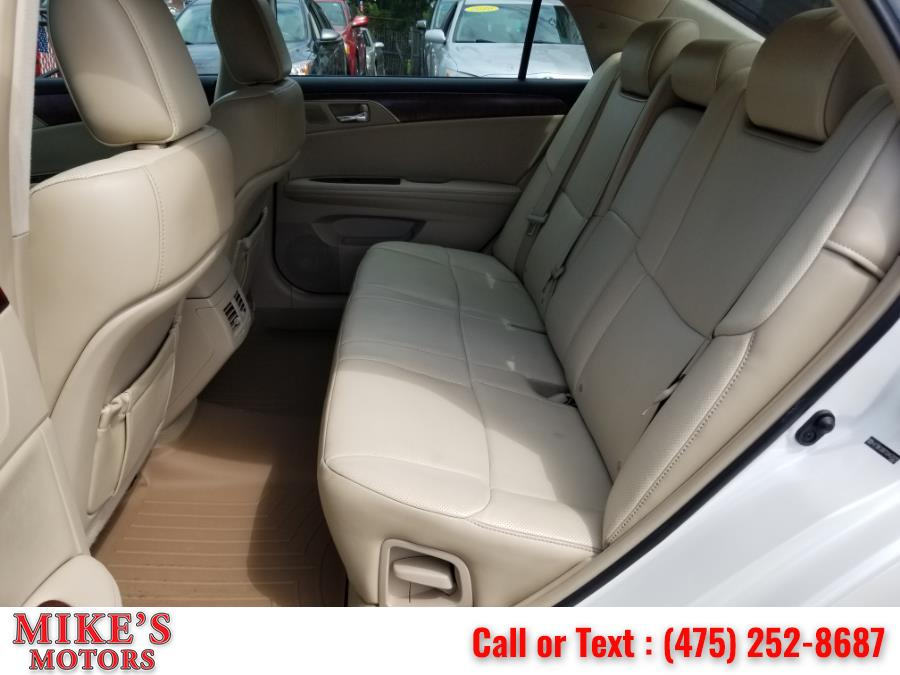 Used Toyota Avalon 4dr Sdn Limited (Natl) 2012 | Mike's Motors LLC. Stratford, Connecticut