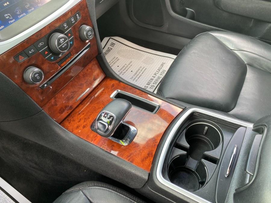 Used Chrysler 300 4dr Sdn V6 Limited 2012 | Carmatch NY. Bayshore, New York