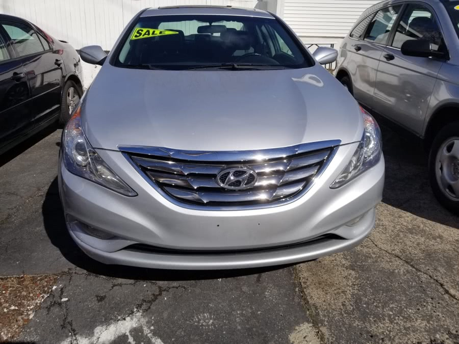 Used 2012 Hyundai Accent in Milford, Connecticut | Adonai Auto Sales LLC. Milford, Connecticut
