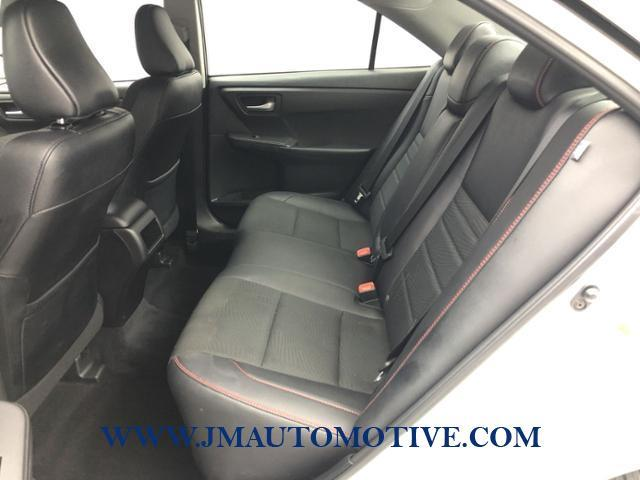 Used Toyota Camry SE Auto 2017   J&M Automotive Sls&Svc LLC. Naugatuck, Connecticut