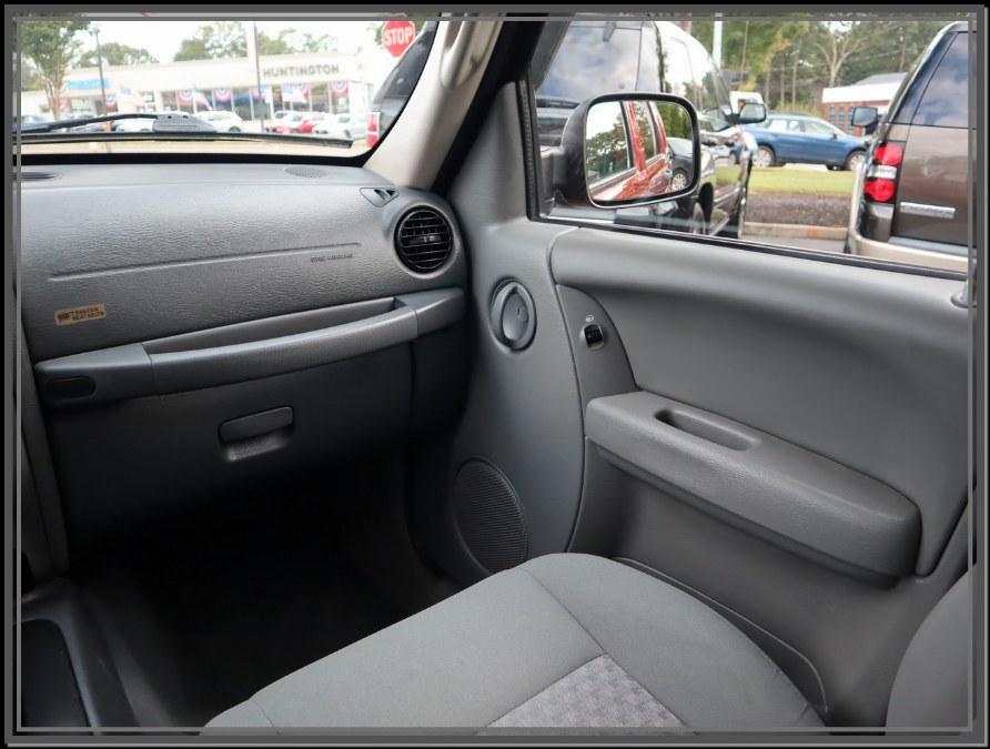 Used Jeep Liberty 4dr Renegade 4WD 2005 | My Auto Inc.. Huntington Station, New York