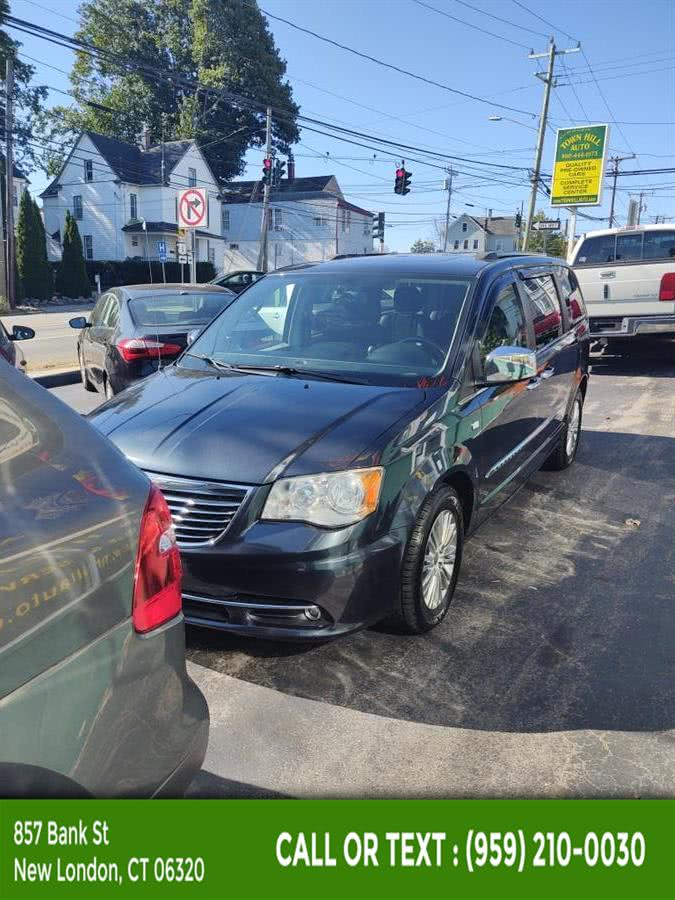 Used Chrysler Town & Country Touring-L 2014 | McAvoy Inc dba Town Hill Auto. New London, Connecticut