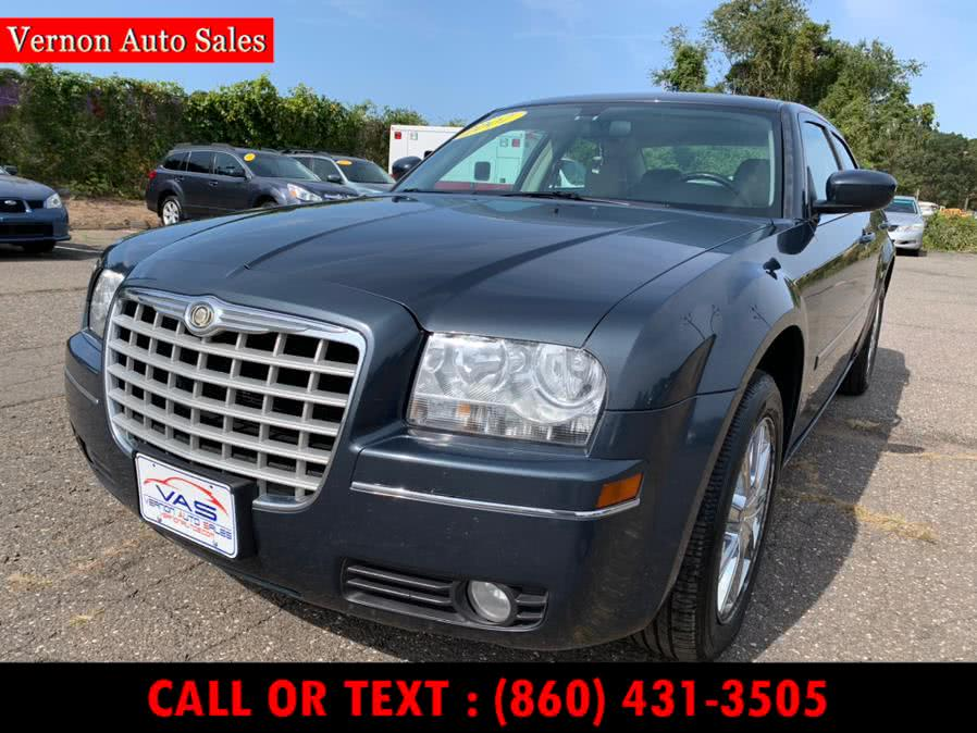Used Chrysler 300 4dr Sdn 300 Touring AWD 2007 | Vernon Auto Sale & Service. Manchester, Connecticut