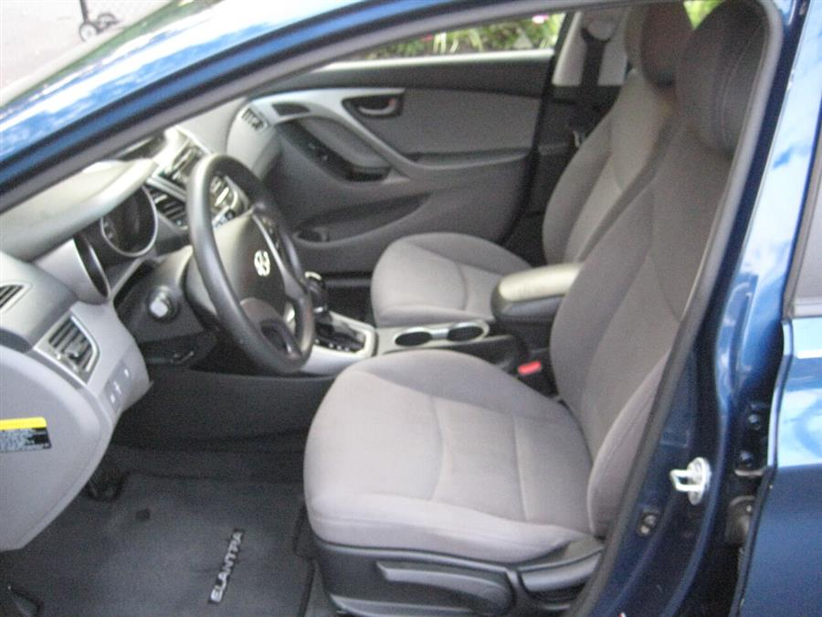 Used Hyundai Elantra SE 4dr Sedan 6A 2014 | Rite Choice Auto Inc.. Massapequa, New York