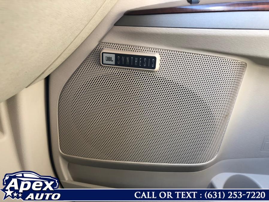 Used Toyota Venza 4dr Wgn V6 AWD (Natl) 2010 | Apex Auto. Selden, New York