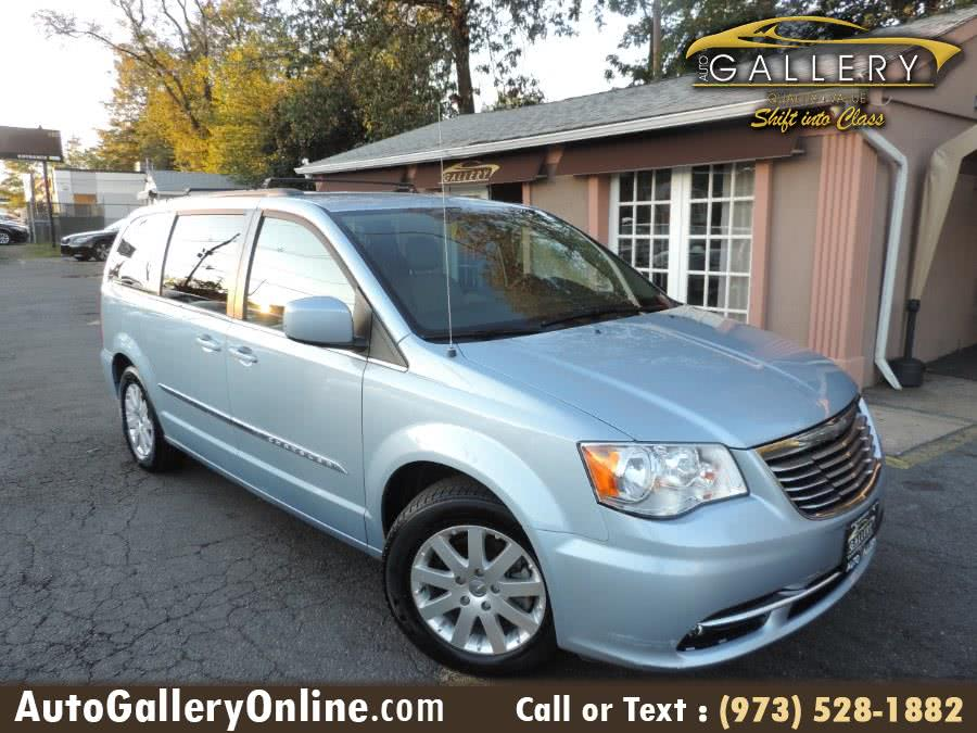 Used 2013 Chrysler Town & Country in Lodi, New Jersey | Auto Gallery. Lodi, New Jersey
