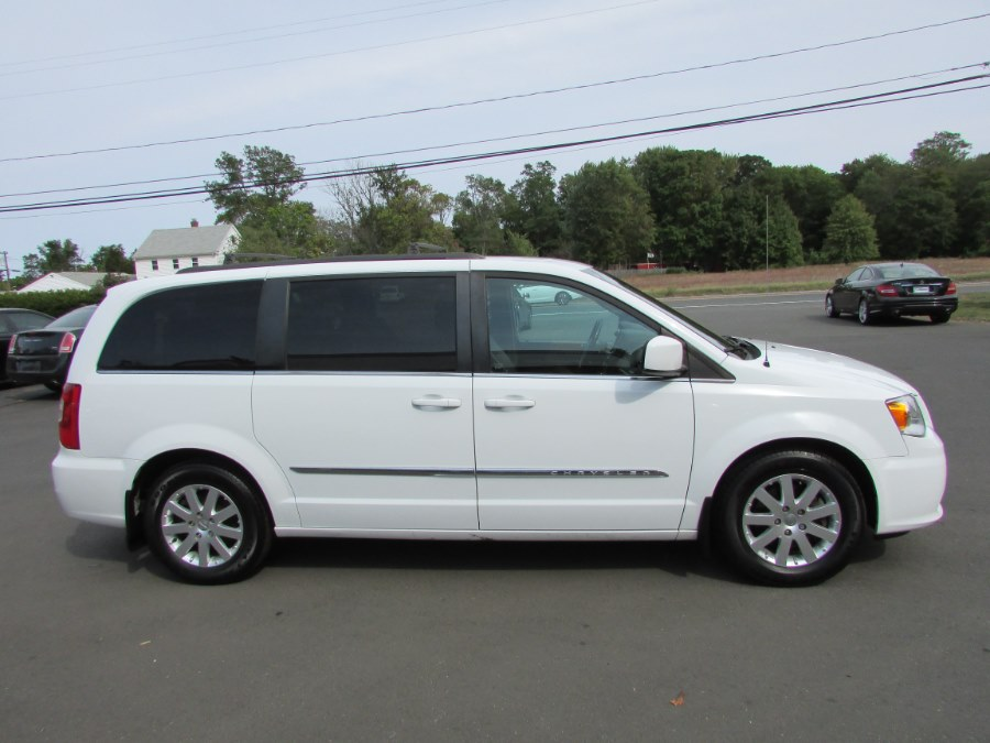 Used Chrysler Town & Country 4dr Wgn Touring 2015 | United Auto Sales of E Windsor, Inc. East Windsor, Connecticut