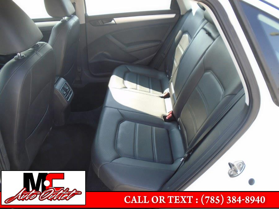 Used Volkswagen Passat 4dr Sdn 2.5L Auto SE w/Sunroof PZEV 2013 | M C Auto Outlet Inc. Colby, Kansas