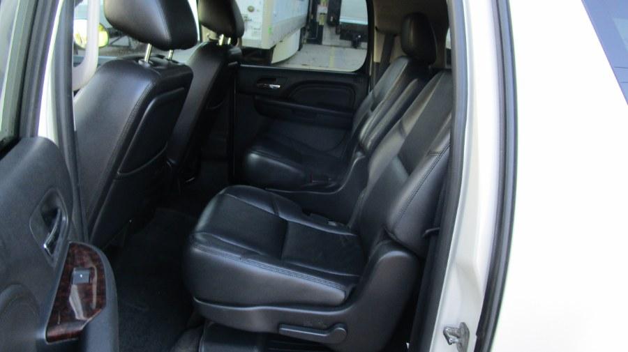 Used GMC Yukon XL AWD 4dr 1500 Denali 2011   H & H Auto Sales. Hicksville, New York