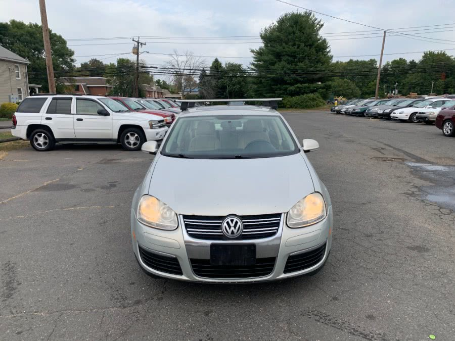 Used Volkswagen Jetta Sedan 4dr Auto Limited PZEV 2010 | CT Car Co LLC. East Windsor, Connecticut