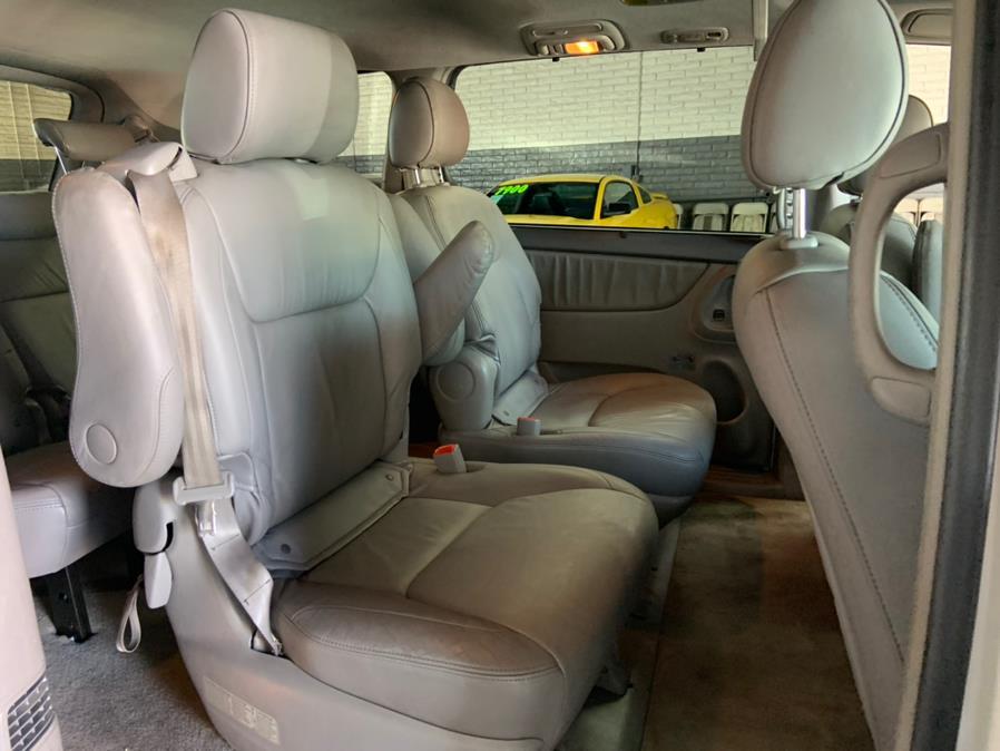 Used Toyota Sienna 5dr 7-Pass Van XLE FWD (Natl) 2008 | U Save Auto Auction. Garden Grove, California