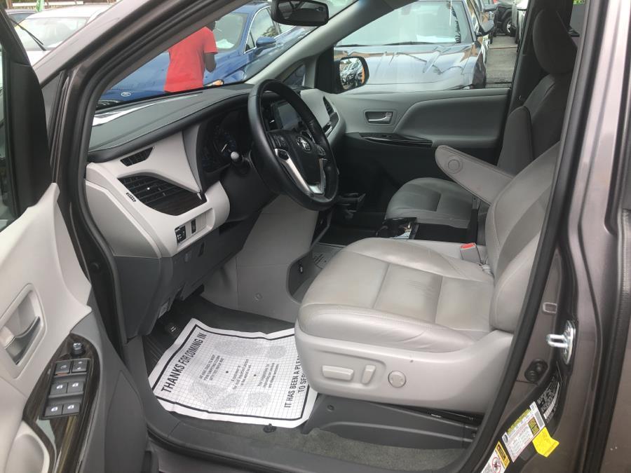 Used Toyota Sienna 5dr 7-Pass Van XLE AWD (Natl) 2015 | Sylhet Motors Inc.. Jamaica, New York