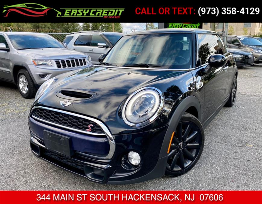 Used 2015 MINI Cooper Hardtop in South Hackensack, New Jersey | Easy Credit of Jersey. South Hackensack, New Jersey
