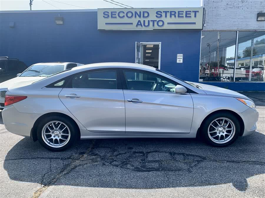 Used Hyundai Sonata SE 2013 | Second Street Auto Sales Inc. Manchester, New Hampshire