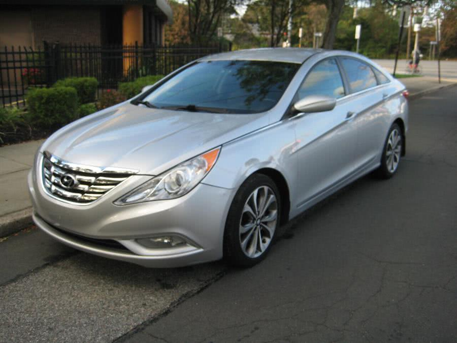 Used 2013 Hyundai Sonata in Massapequa, New York | Rite Choice Auto Inc.. Massapequa, New York