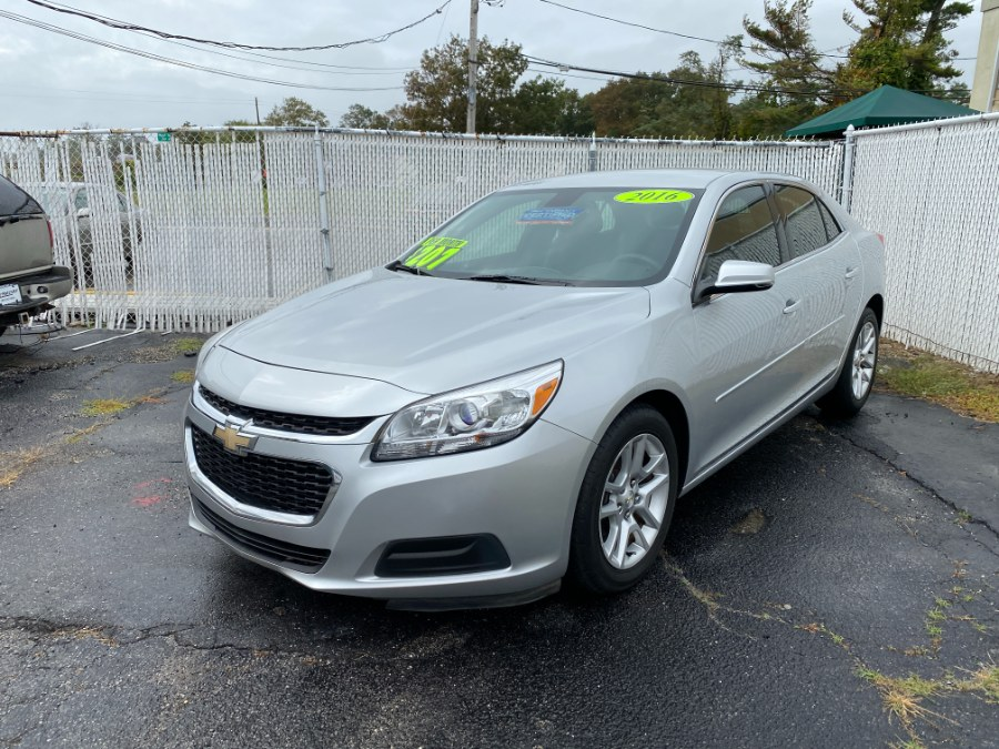 Used Chevrolet Malibu Limited 4dr Sdn LT 2016 | Carmatch NY. Bayshore, New York