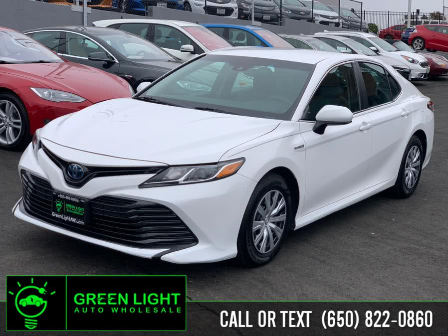 Used 2018 Toyota Camry Hybrid in Daly City, California | Green Light Auto Wholesale. Daly City, California