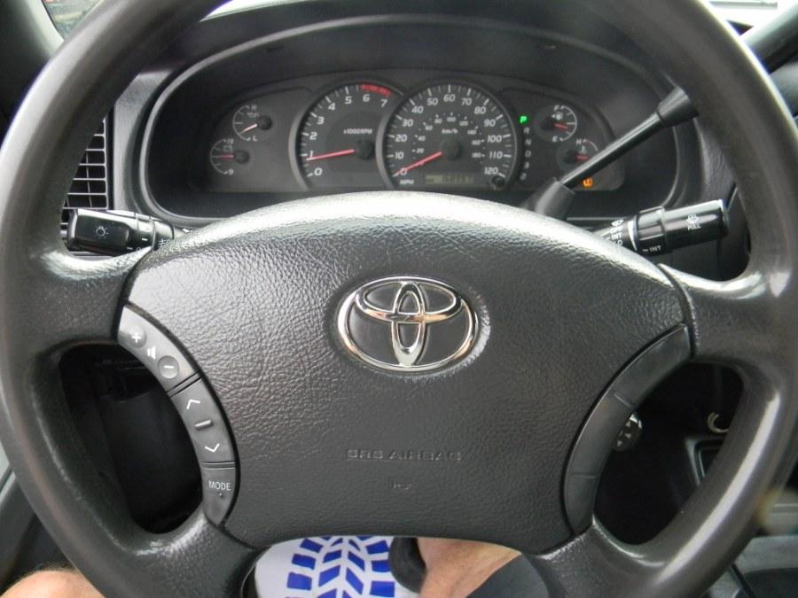 Used Toyota Tundra DoubleCab V8 SR5 4WD 2005   M&M Vehicles Inc dba Central Motors. Southborough, Massachusetts