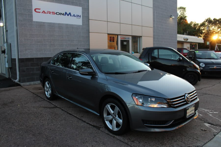 Used Volkswagen Passat 4dr Sdn 2.5L Auto SE w/Sunroof & Nav PZEV 2012 | Carsonmain LLC. Manchester, Connecticut
