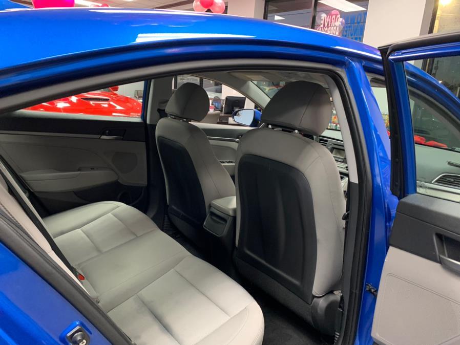 Used Hyundai Elantra SE 2.0L Auto (Ulsan) *Ltd Avail* 2017   5 Towns Drive. Inwood, New York