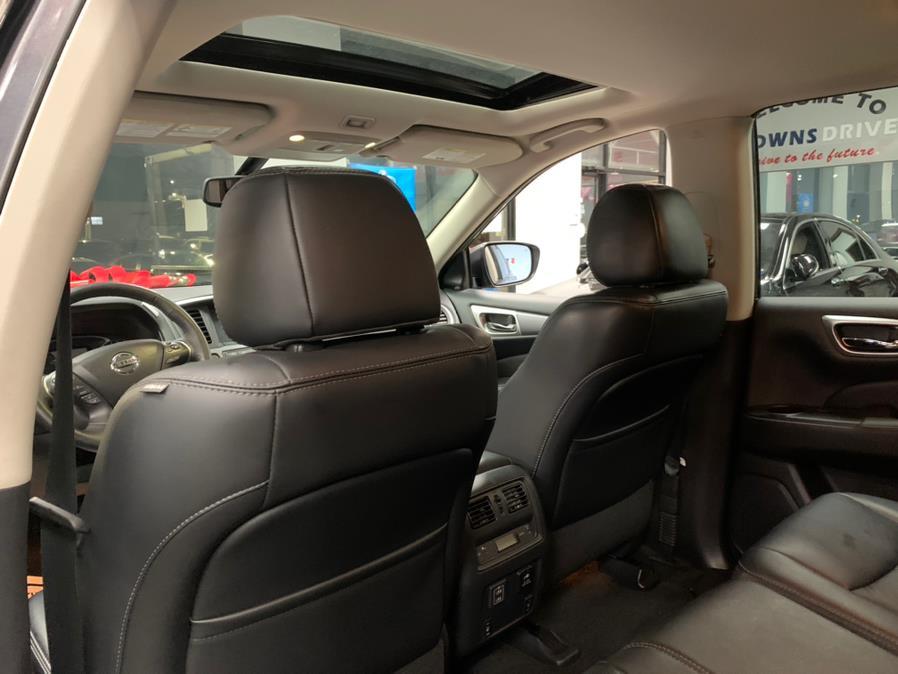 Used Nissan Pathfinder 4x4 SL 2018 | 5 Towns Drive. Inwood, New York