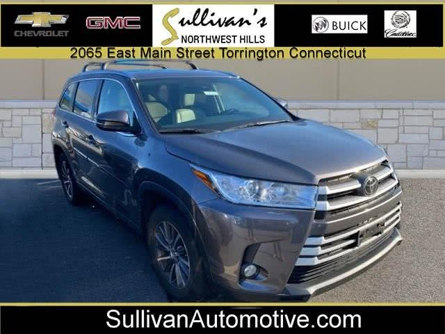 Used 2018 Toyota Highlander in Avon, Connecticut | Sullivan Automotive Group. Avon, Connecticut
