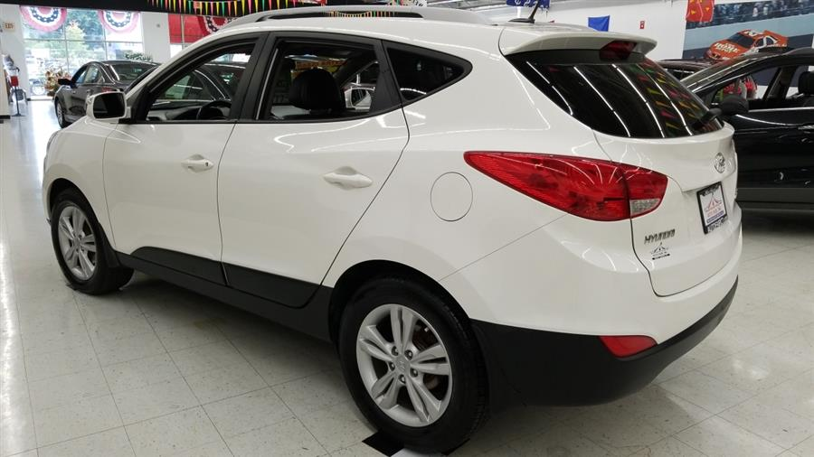 2013 Hyundai Tucson FWD 4dr Auto GLS PZEV, available for sale in West Haven, CT