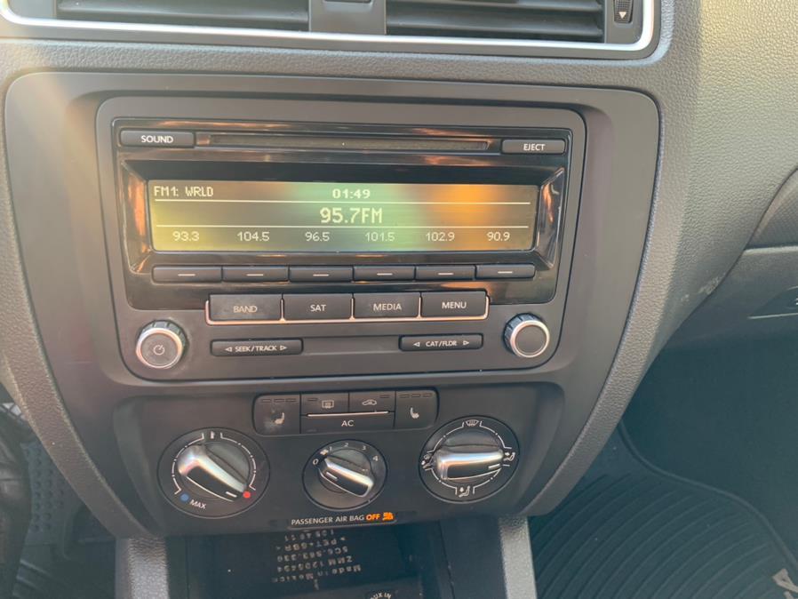 Used Volkswagen Jetta Sedan 4dr Auto SE PZEV 2012 | Platinum Auto Care. Waterbury, Connecticut