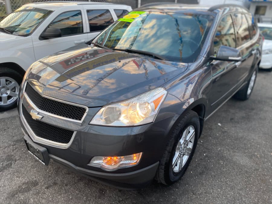 Used 2012 Chevrolet Traverse in Middle Village, New York | Middle Village Motors . Middle Village, New York
