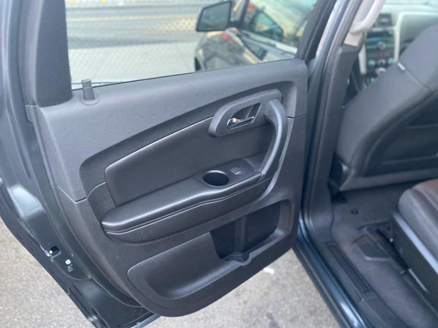 Used Chevrolet Traverse AWD 4dr LT w/1LT 2012 | Middle Village Motors . Middle Village, New York