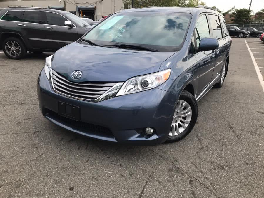 2017 Toyota Sienna XLE Premium FWD 8-Passenger (Natl), available for sale in Lodi, NJ