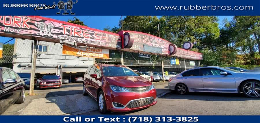 Used 2017 Chrysler Pacifica in Brooklyn, New York | Rubber Bros Auto World. Brooklyn, New York