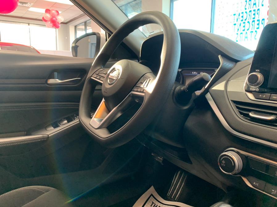 Used Nissan Altima 2.5 SV Sedan 2020   5 Towns Drive. Inwood, New York