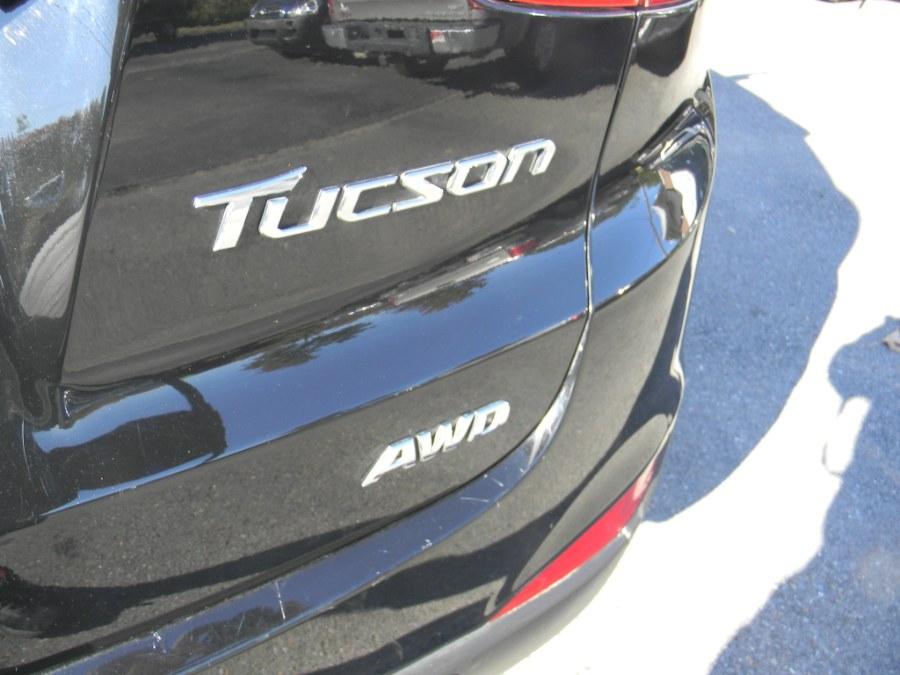 Used Hyundai Tucson AWD 4dr Auto GLS PZEV 2012   M&M Vehicles Inc dba Central Motors. Southborough, Massachusetts
