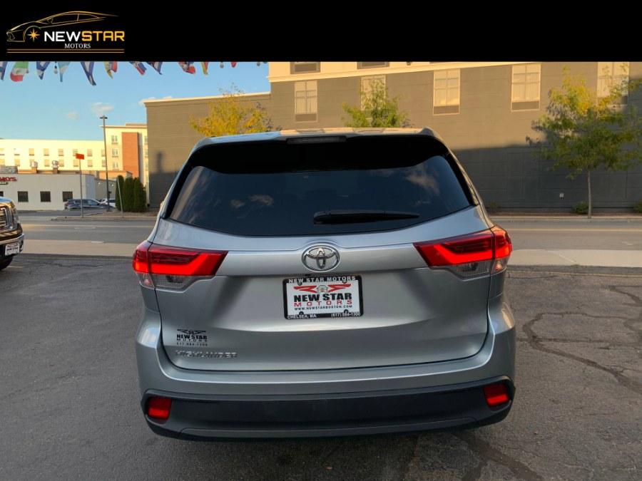 Used Toyota Highlander LE I4 FWD (Natl) 2017 | New Star Motors. Chelsea, Massachusetts