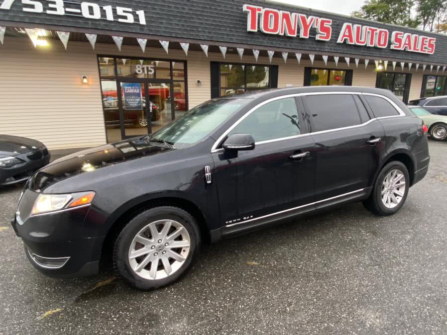 Used Lincoln MKT 4dr Wgn 3.7L AWD w/Livery Pkg 2016 | Tony's Auto Sales. Waterbury, Connecticut