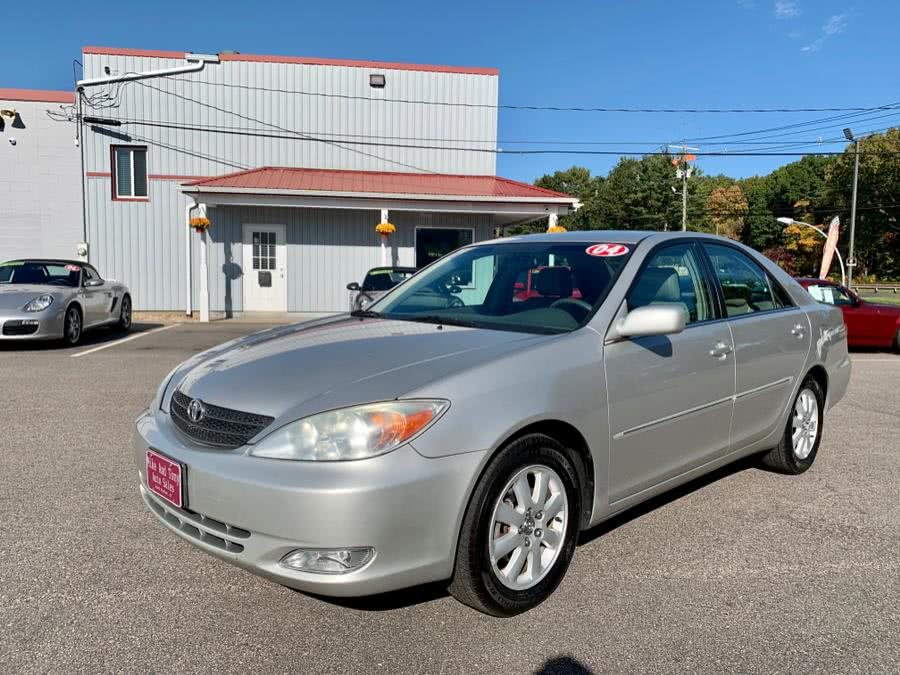 Used Toyota Camry 4dr Sdn XLE Auto 2004 | Mike And Tony Auto Sales, Inc. South Windsor, Connecticut
