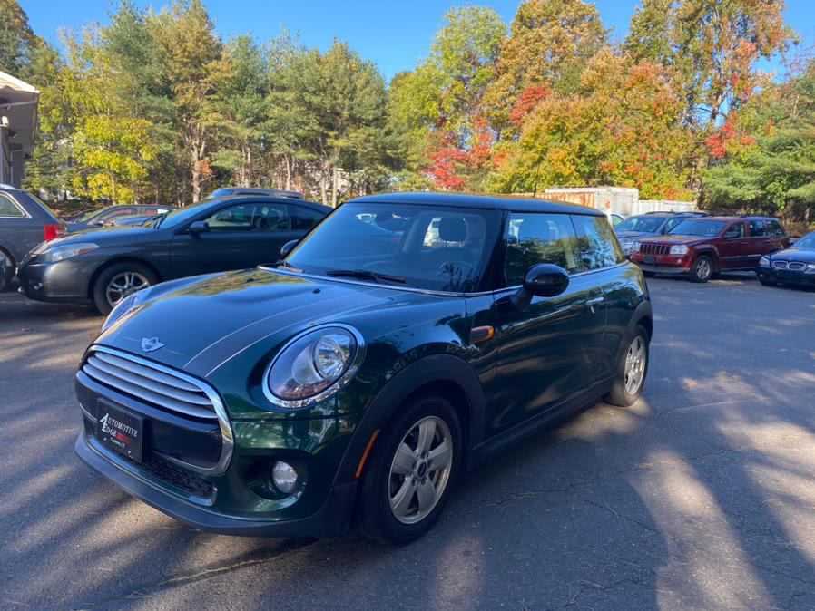 Used 2015 MINI Cooper Hardtop in Cheshire, Connecticut | Automotive Edge. Cheshire, Connecticut