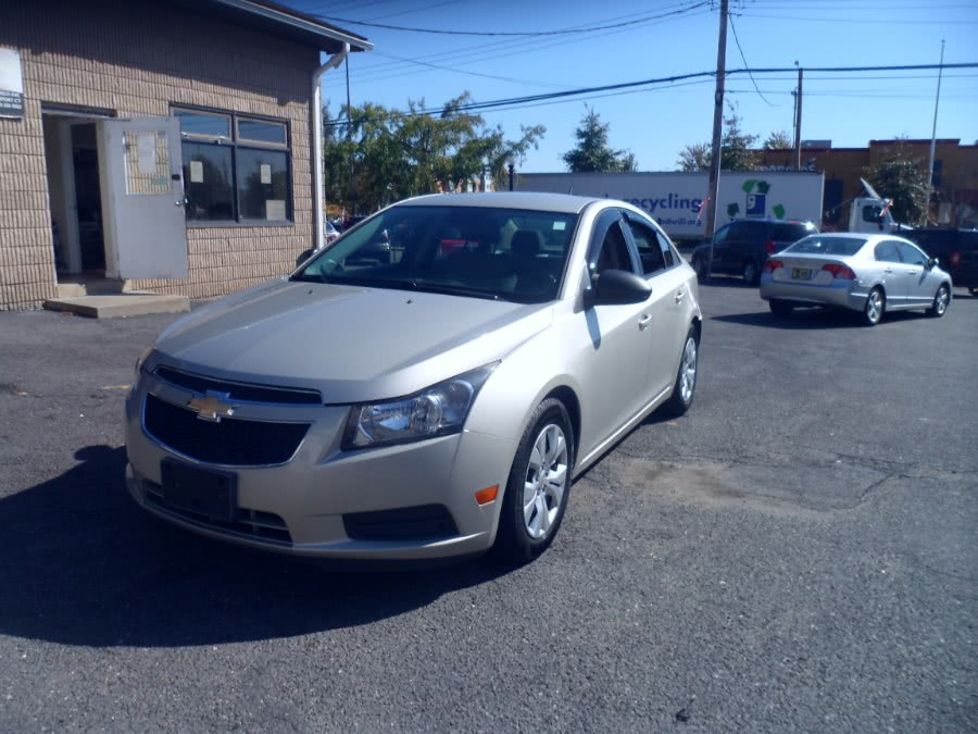 Used 2013 Chevrolet Cruze in Bridgeport, Connecticut | Hurd Auto Sales. Bridgeport, Connecticut