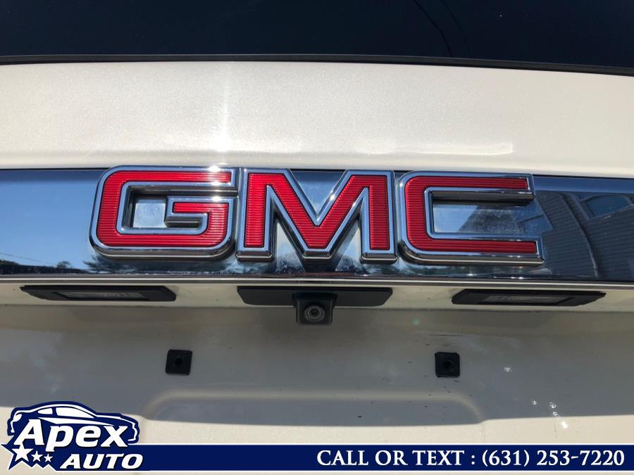 Used GMC Yukon 4WD 4dr Denali 2015 | Apex Auto. Selden, New York