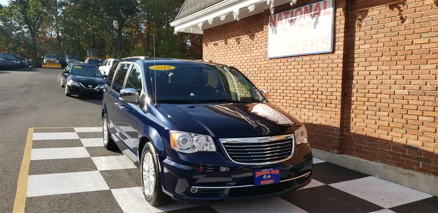 Used 2014 Chrysler Town & Country in Waterbury, Connecticut | National Auto Brokers, Inc.. Waterbury, Connecticut
