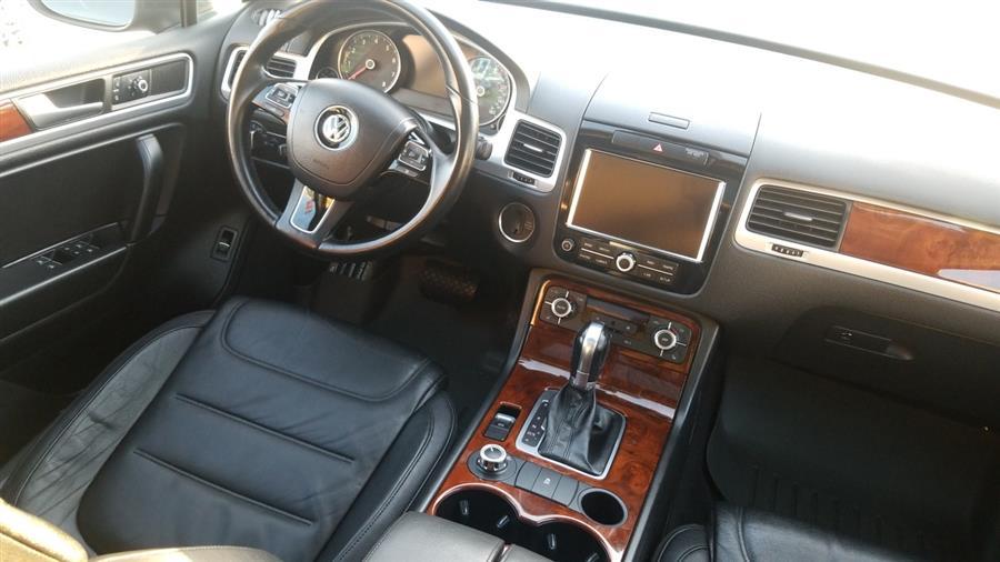 Used Volkswagen Touareg 4dr VR6 Lux 2013 | New York Motors Group Solutions LLC. Bronx, New York