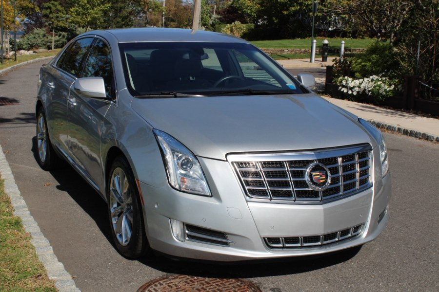 2014 Cadillac XTS 4dr Sdn Luxury FWD, available for sale in Great Neck, NY