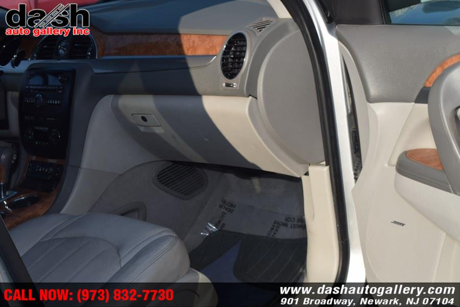 Used Buick Enclave AWD 4dr CXL-1 2011 | Dash Auto Gallery Inc.. Newark, New Jersey