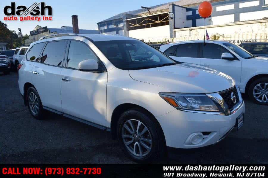 Used Nissan Pathfinder 4WD 4dr SV 2014 | Dash Auto Gallery Inc.. Newark, New Jersey