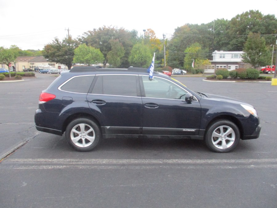Used Subaru Outback 4dr Wgn H4 Auto 2.5i Limited 2014   Universal Motors LLC. New Britain, Connecticut