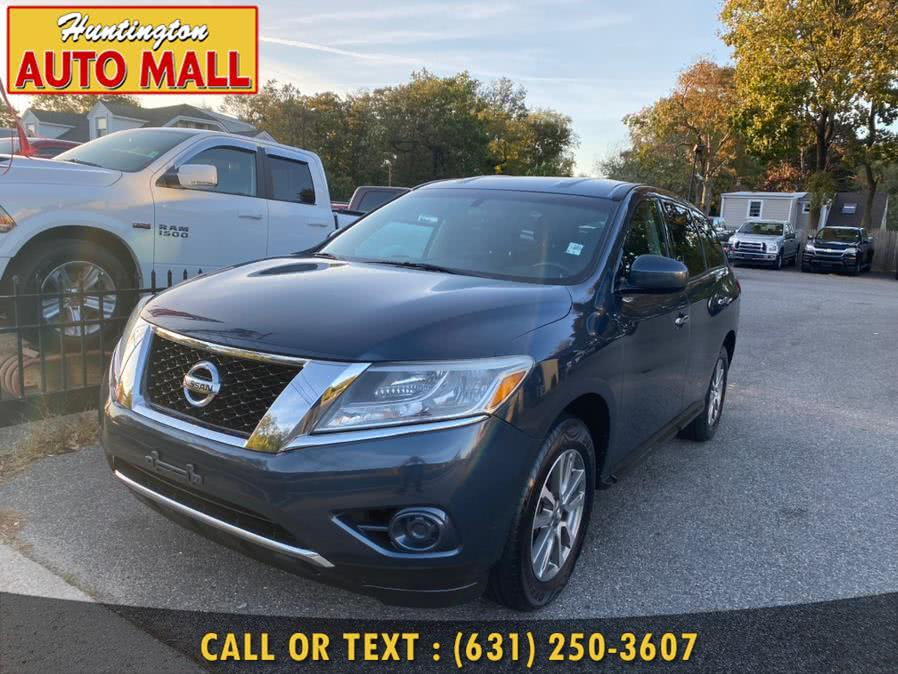 Used 2013 Nissan Pathfinder in Huntington Station, New York | Huntington Auto Mall. Huntington Station, New York
