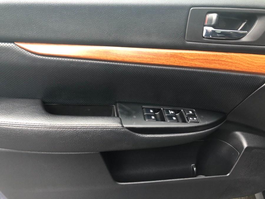 Used Subaru Outback 4dr Wgn H4 Auto 2.5i Limited 2013 | Bristol Auto Center LLC. Bristol, Connecticut