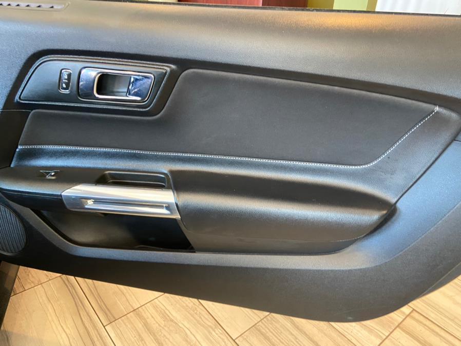2016 Ford Mustang V6 Floor Mats